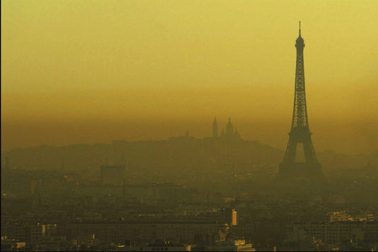 715389 7 f07c paris sous un nuage de pollution 2c50c632370874e40f6317b4c82f3880